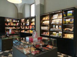 bookshop museo san pietro civico diocesano darte sacra visit colledivaldelsa borgo medievale toscana