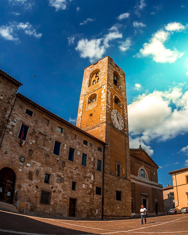 duomo visit colledivaldelsa borgo medievale toscana