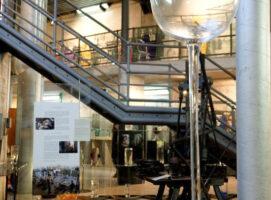 museo del cristallo calice fatto a mano piu alto del mondo visit colle di val d elsa borgo medievale toscana