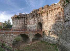 porta nuova visit colledivaldelsa borgo medievale toscana