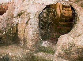 Parco Archeologico di Dometaia accesso tomba visit Colle di Val dElsa borgo medievale Toscana
