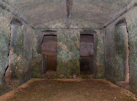 Parco Archeologico di Dometaia tomba gentilizia visit Colle di Val dElsa borgo medievale Toscana
